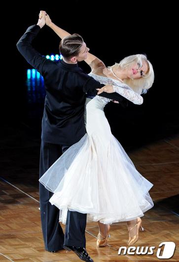 [사진]흑백 댄스