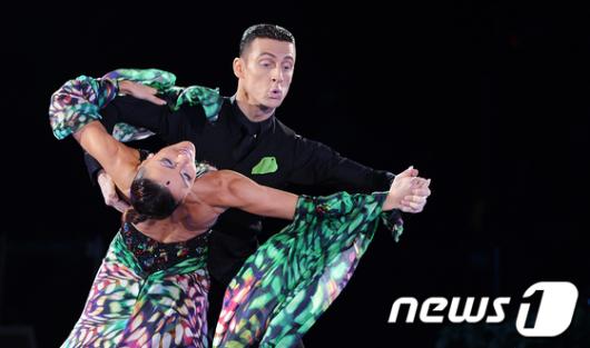 [사진]'아름다운 댄스스포츠의 세계로'