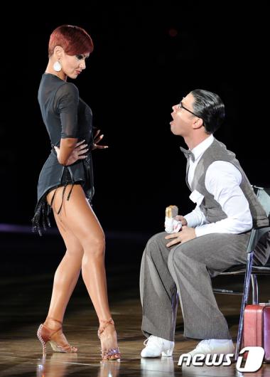 [사진]'춤 한번 추실까요?'