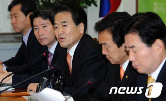 """[사진]정동영 """"비준안 서명 안돼"""""""