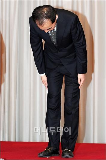 [사진]고개숙인 넥슨 서민 대표이사