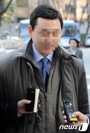 [사진]술자리 동석 국회의장 비서 소환 조사