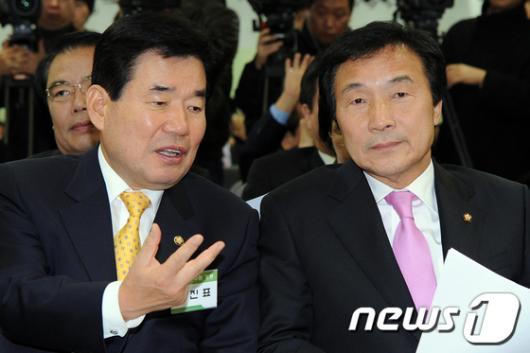 [사진]전국지역위원장회의 참석한 손학규-김진표
