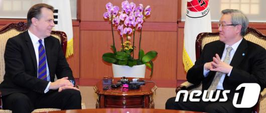 [사진]김성환 장관-글린데이비스 회동 '대북정책 논의'