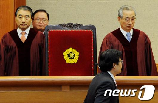 [사진]건강보험 헌법소원 '고심'