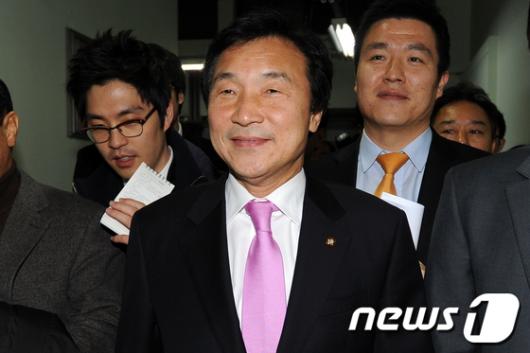 [사진]전국위원장회의 마친 손학규 대표