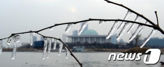 [사진]얼어붙은 국회