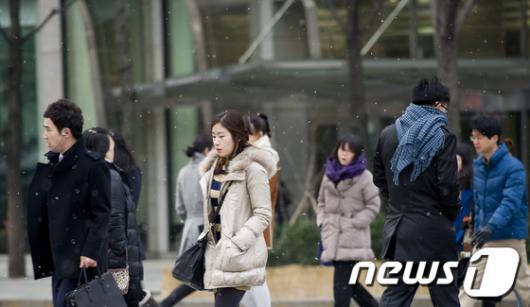 [사진]눈 내리는 출근길