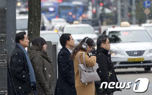 [사진]사실상 첫눈 내리는 서울