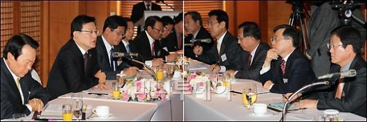 [사진]주요업종 대표들과 현안 논의하는 홍석우 지경부 장관