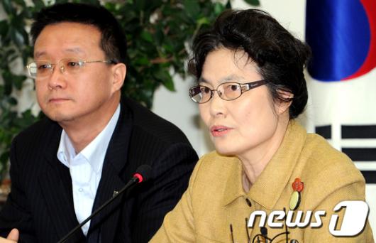 """[사진]최영희 """"정봉주 선고 기일 연기해야"""""""