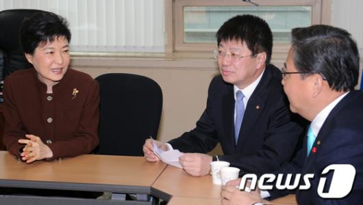 [사진]한나라당 서울시당 간 박근혜