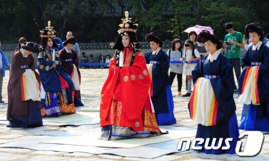 [사진]조선시대 세자빈 종묘 참배, 묘현례 재현 행사