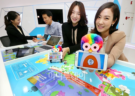 [사진]SKT 국내최고 IT체험관 '티움'