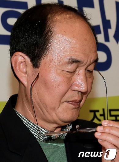 [사진]고심하는 이수호 후보