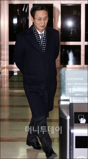 [사진]KB, ING생명 인수불발...귀가하는 민병덕 행장
