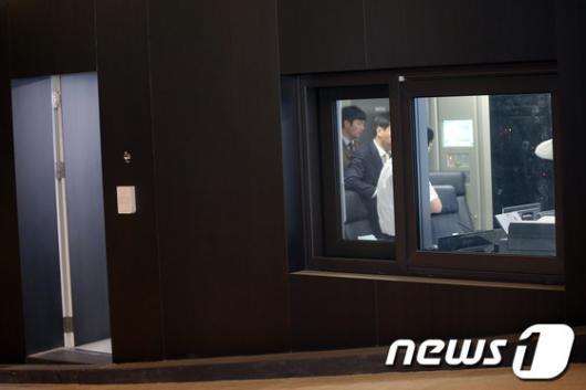 [사진]CJ경영연구소 압수수색하는 검찰