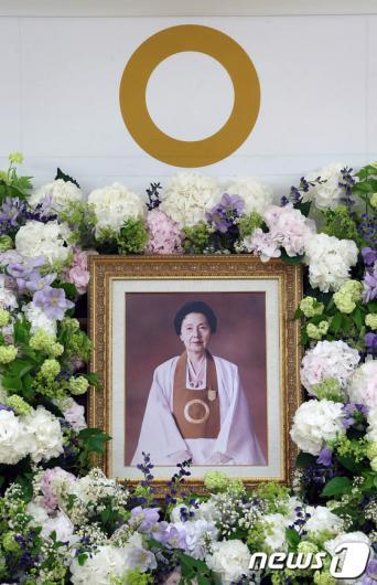 [사진]홍석현 중앙일보 회장 모친 김윤남여사 별세