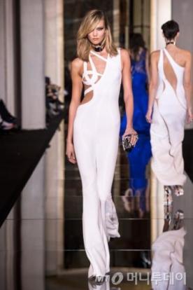 Atelier Versace, 2015 S/S 오트쿠튀르 컬렉션