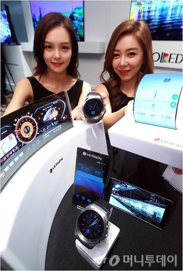 [사진]LG디스플레이, '다양한 OLED 제품'