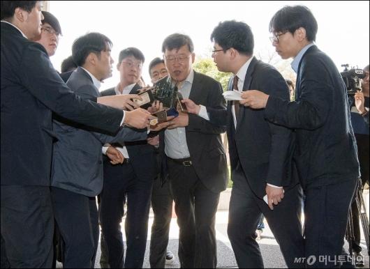 [사진]검찰 출석하는 박상범 전 삼성전자서비스 대표