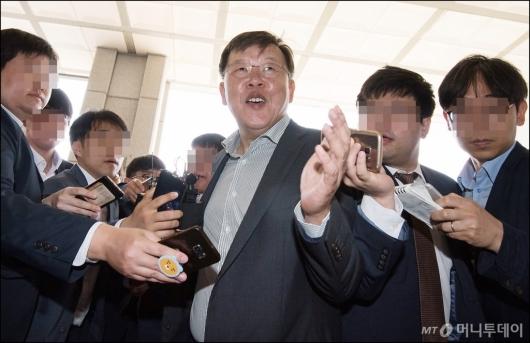 [사진]박상범 전 삼성전자서비스 대표, '피의자 신분 검찰 출석'