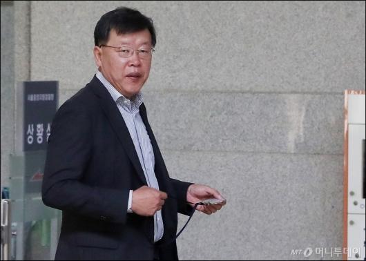 [사진]조사실 향하는 박상범 전 삼성전자서비스 대표