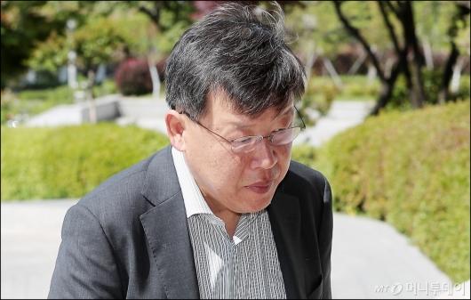 [사진]'노조와해 의혹' 박상범 전 삼성전자서비스 대표, 검찰 출석