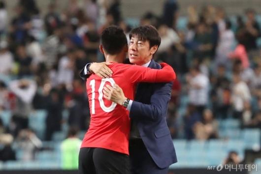 [사진]신태용 감독, '문선민 좋았어!'