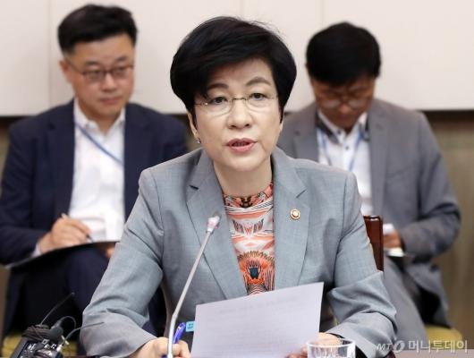 [사진]발언하는 김영주 고용노동부 장관