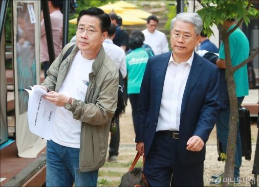 [사진]야영장 워크숍 참석하는 김동철-이태규