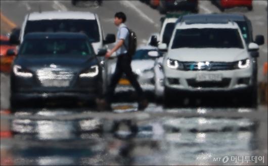 [사진]아지랑이 핀 서울 도심...당분간 무더위 계속