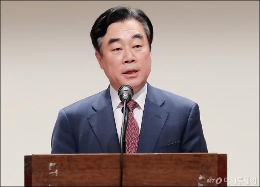 [사진]'부동산세제 개혁 방안' 토론회 참석한 강병구 위원장