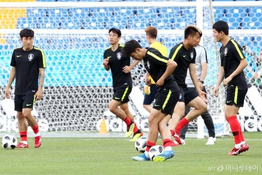 [사진]공식 훈련하는 축구대표팀