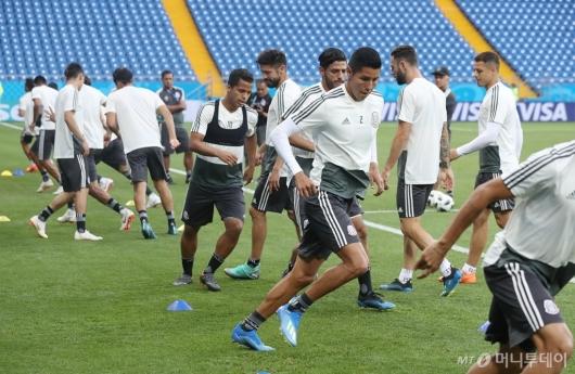 [사진]공식 훈련하는 멕시코