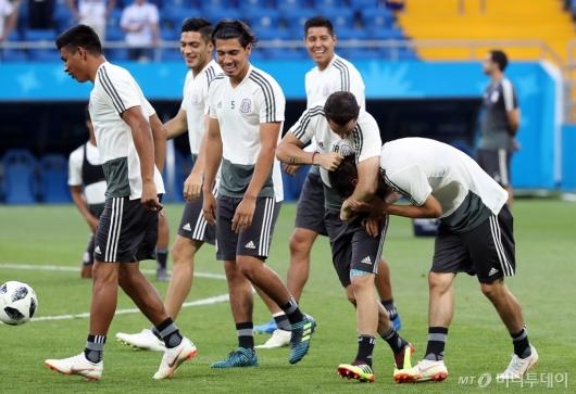 [사진]'멕시코 축구대표팀의 여유?'