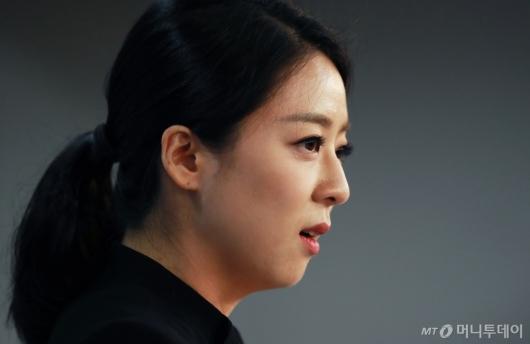 [사진]배현진 한국당 비대위 대변인 브리핑