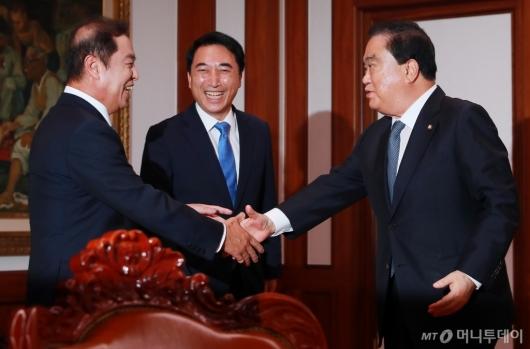 [사진]김병준 한국당 비대위원장, 문희상 국회의장 예방