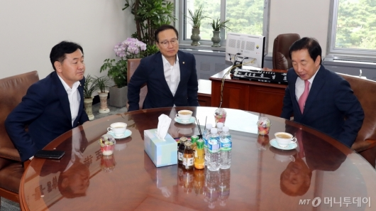 [사진]홍영표-김성태-김관영, 3당 원내대표 회동