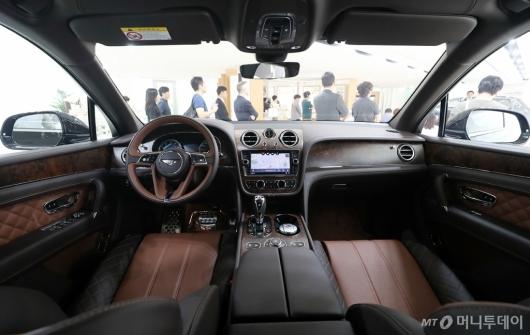 [사진]벤틀리 '벤테이가 W12 코리안 에디션'의 실내