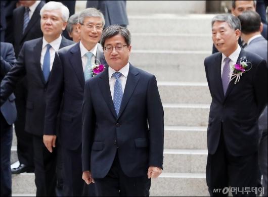 [사진]고민 많은 김명수 대법원장
