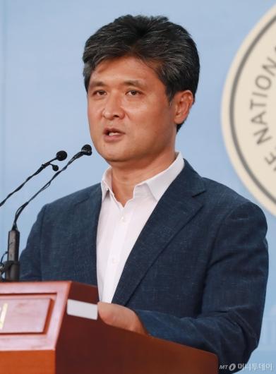[사진]정책발표하는 이수봉 바른미래당 당대표 후보