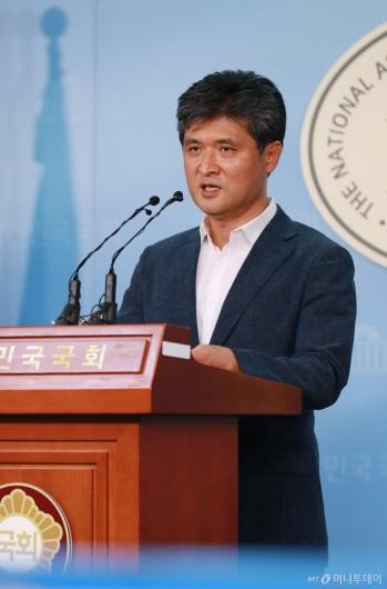 [사진]정책발표하는 이수봉 바른미래 당대표 후보