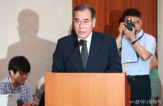 [사진]모두발언하는 이개호 농림부 장관 후보자