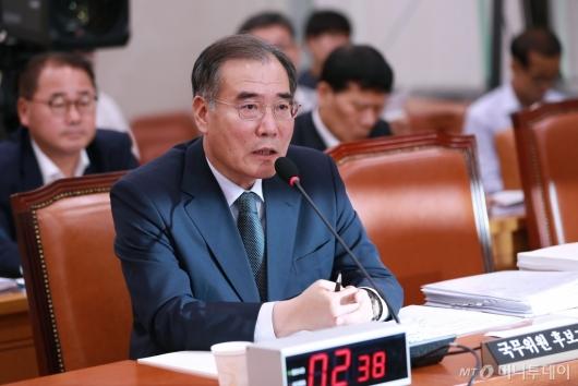 [사진]답변하는 이개호 농림부 장관 후보자