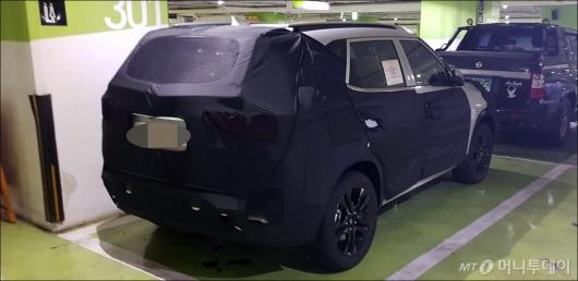 [사진]위장막 쓴 기아차 SP 양산형 차량