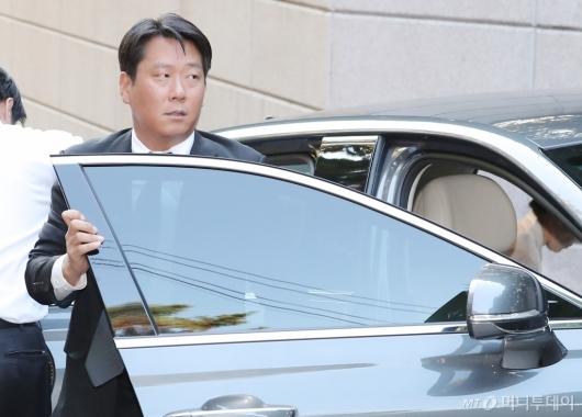[사진]고 변중석 여사 11주기 찾은 정교선 부회장