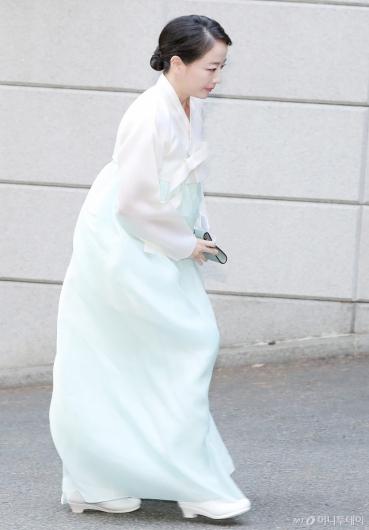 [사진]노현정, '변중석 여사 11주기 참석'