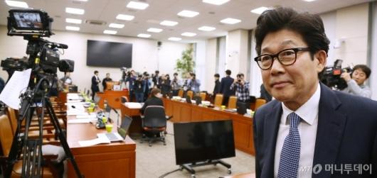 [사진]조명래 환경부장관 후보자 인사청문회 파행