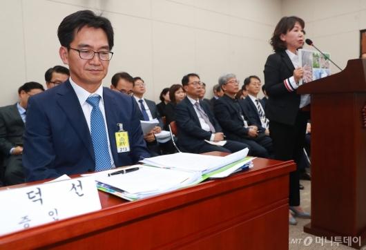 [사진]교육위 국감 출석한 한유총 이덕선-김용임